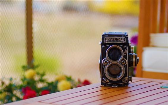 Wallpaper Rolleiflex camera, table