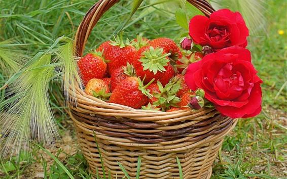 Fondos de pantalla Cesta, rosas rojas, fresa