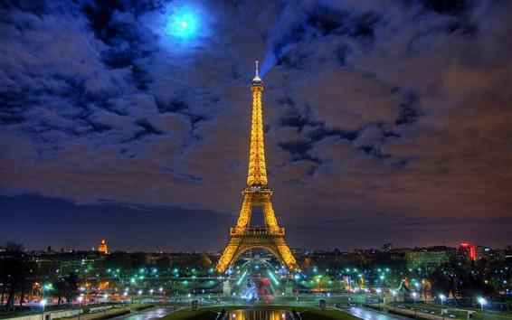 Обои Эйфелева башня, ночь, луна, огни, город
