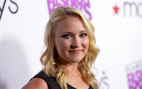 Wallpaper Emily Osment 03