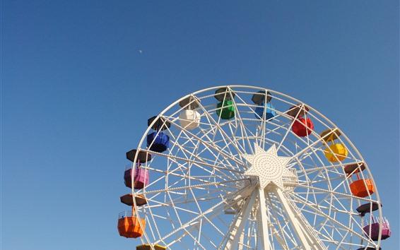 Обои Колесо обозрения, голубое небо, парк
