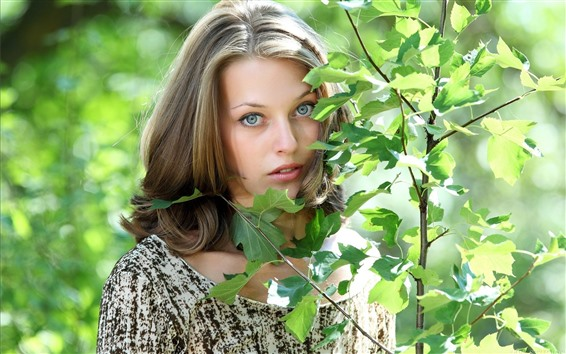 Papéis de Parede Menina, rosto, folhas verdes, sol