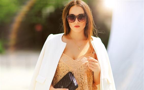 Fondos de pantalla Chica de moda, cabello castaño, gafas, sol