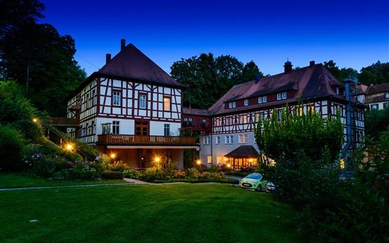 Fondos de pantalla Alemania, Bayern, villa, árboles, prado, noche, luces