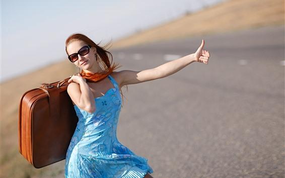 壁紙 女の子、スーツケース、ポーズ、青いスカート、道路