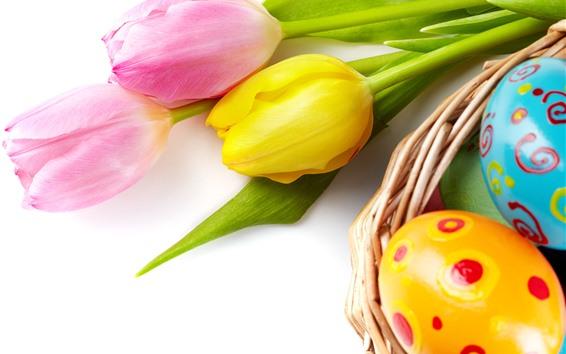 배경 화면 분홍색과 노란색 튤립 꽃, 다채로운 부활절 달걀