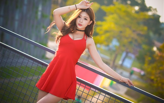 Papéis de Parede Menina asiática saia vermelha, pose, verão