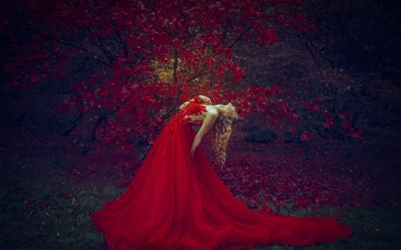 Papéis de Parede Garota loira de saia vermelha, pose, folhas de bordo vermelhas, outono