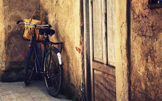 Papéis de Parede Bicicleta, cesta, porta, parede