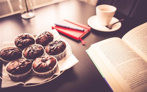Papéis de Parede Alguns bolos de chocolate, livro, café