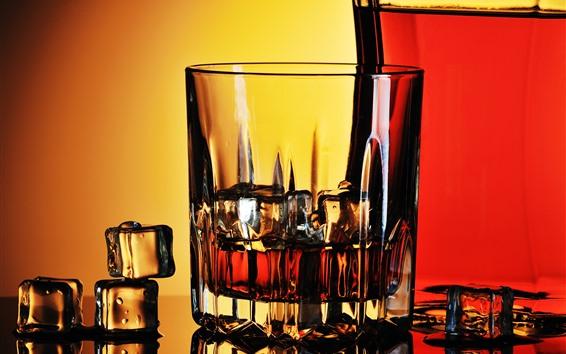 Fond d'écran Whisky, coupe en verre, glaçons