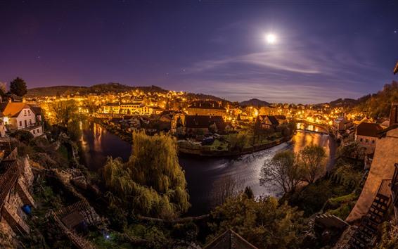 Fond d'écran République tchèque, nuit, lune, rivière, ville, maisons, lumières