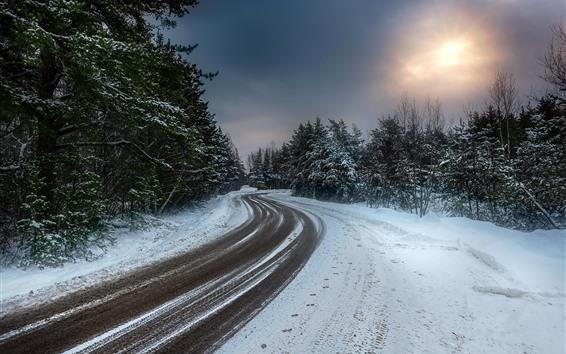 Fondos de pantalla Invierno, Nieve, Árboles, Carretera, Sol, Nubes