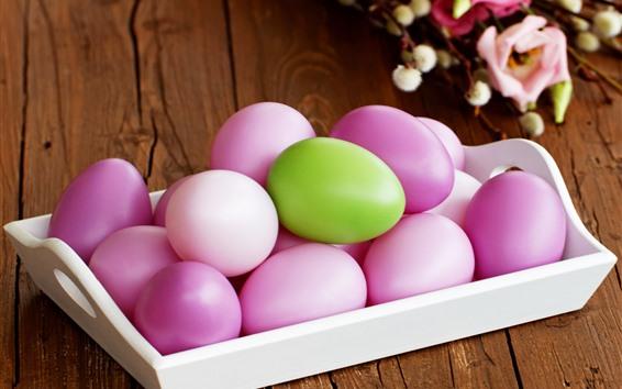 Обои Некоторые розовые пасхальные яйца, один зеленый