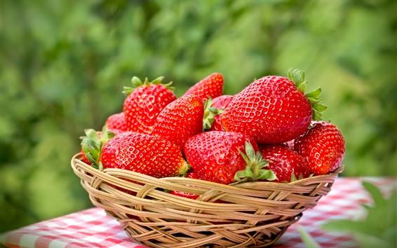 Hintergrundbilder Frische Erdbeeren, köstliche Früchte, Korb