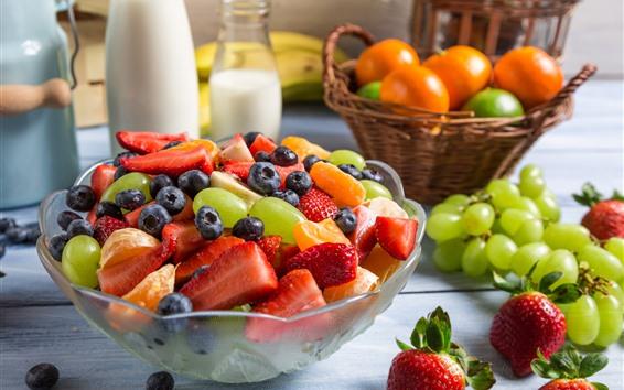 Papéis de Parede Salada de frutas, uvas, morango, mirtilo, leite