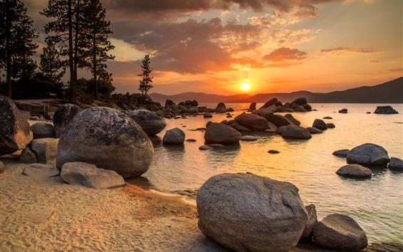 Fond d'écran Lac, pierres, coucher de soleil, montagnes, arbres