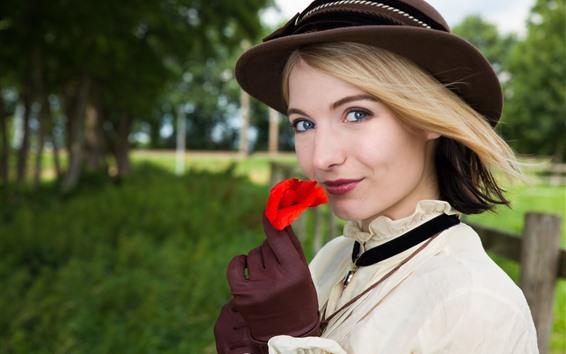 배경 화면 미소 금발 소녀, 빨간 장미, 모자
