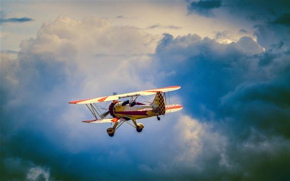 Обои Желтый самолет, полет, небо, облака