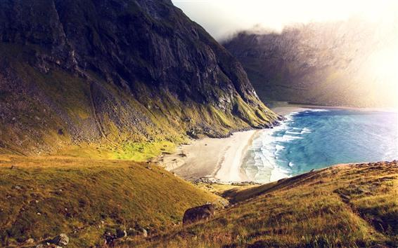 Обои Пляж, море, горы, солнечные лучи, туман