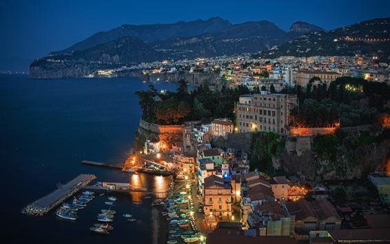 Fond d'écran Italie, Sorrento, mer, lumières, nuit, montagnes, ville