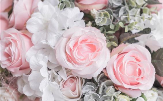 Fondos de pantalla Rosas rosas, pétalos, flores de plástico.