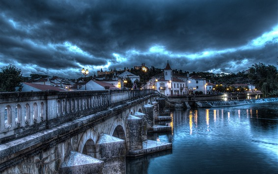 Fondos de pantalla Portugal, Santarem, Puente, Río, Casas, Luces, Nubes, Tormenta