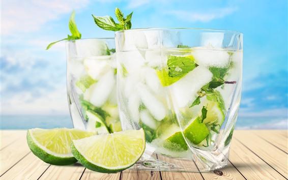 Fond d'écran Deux tasses de cocktail, citron vert, tranches, boissons