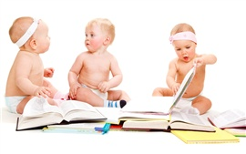 Preview wallpaper Careful reading of the babies
