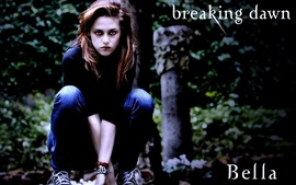 Bella hunting in The Twilight Saga: Breaking Dawn