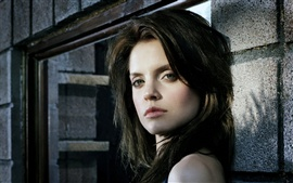 Preview wallpaper Mena Suvari 01