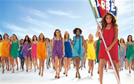 Preview wallpaper Colorful Summer Dress Fashion Show