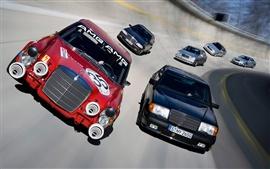 Coches de carreras de velocidad en pista