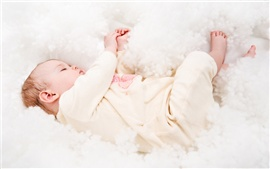 Preview wallpaper Cute baby asleep
