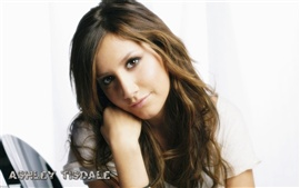 Preview wallpaper Ashley Tisdale 03