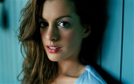 Preview wallpaper Anne Hathaway 02