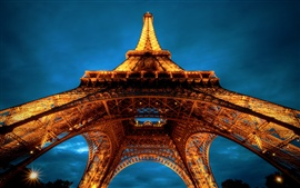 Preview wallpaper Eiffel Tower at night