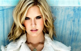 Preview wallpaper Maggie Grace 02