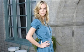 Preview wallpaper Yvonne Strahovski 01