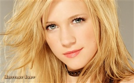 Preview wallpaper Brittany Snow 02