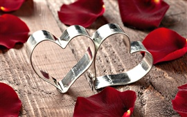 Heart-shaped metal ring