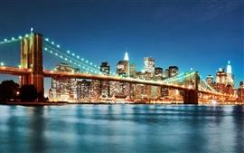 Noche iluminación del puente