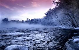 Река зимой снег