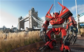 Preview wallpaper Robot Transformers in London creative