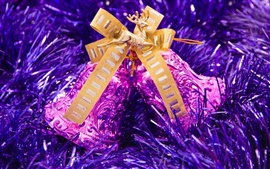 Preview wallpaper The purple bells of Christmas