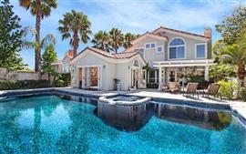 Aperçu fond d'écran Villa maison de palmiers et une piscine