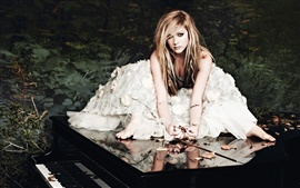 Preview wallpaper Avril Lavigne 17