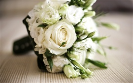 Preview wallpaper Bouquet of white roses