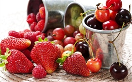Délicieux de fraise et de cerise