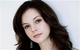 Preview wallpaper Amber Tamblyn 01